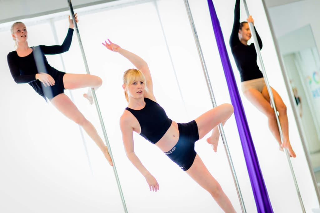 girls doing pole